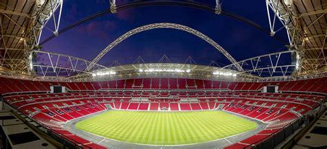 10 Biggest Football Stadiums in England | betHQ