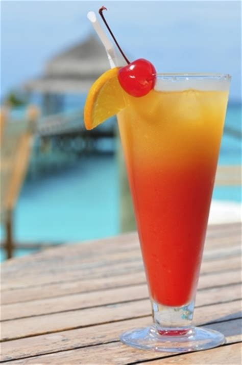 10 Popular Peach Schnapps Mixed Drink Recipes That'll ...