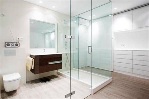 10 trucos para ganar espacio en baños muy, muy, muy ...