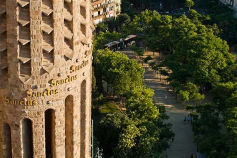 1000+ images about Gaudi on Pinterest | Stained glass, The ...