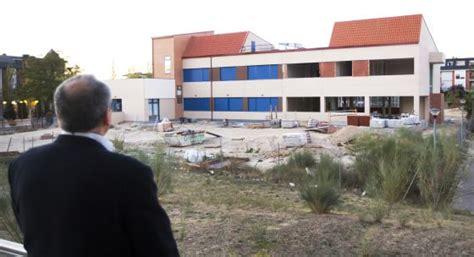 120 alumnos estudian en un instituto a medio construir en ...