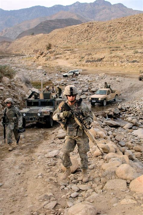 17 beste ideeën over Afghanistan War op Pinterest   Irak ...