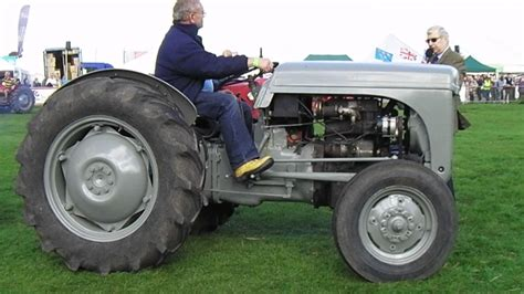 1949 Ferguson T20 petrol tractor - grey - YouTube