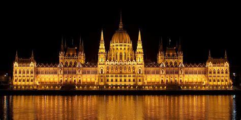 20 cosas que ver en Budapest: edificios, puentes, termas y ...