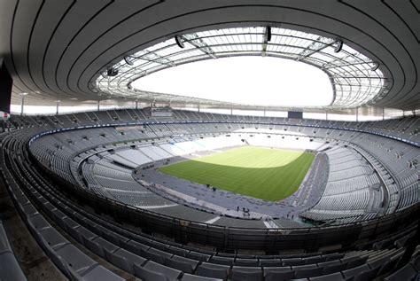 20 estadios de fútbol más impresionantes de Europa ...