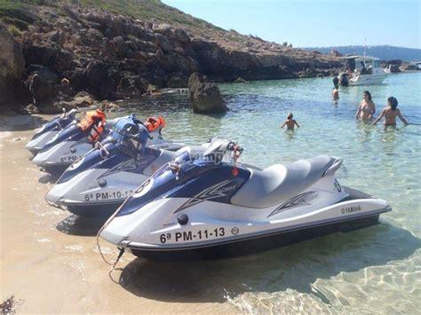 20 minutos de moto acuática en circuito en Arenal ...