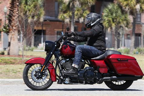 2017 Harley Davidson Road King Special Review | Bike Week Test