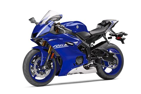 2017 Yamaha YZF-R6 First Look | 10 Fast Facts with Video