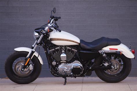 2018 Harley-Davidson Sportster 1200 Custom vs. 2017 Moto ...
