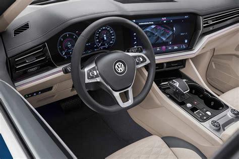 2019 VW Touareg Interior (1) | AUTOBICS
