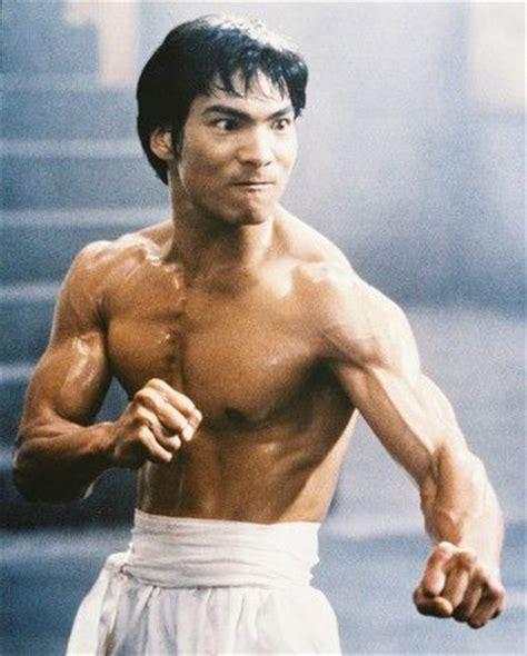 25+ best ideas about Bruce lee training on Pinterest ...