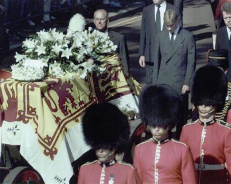 25+ best ideas about Freddie mercury funeral on Pinterest ...