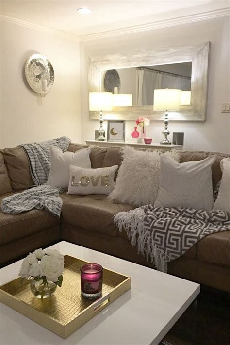 25+ best ideas about Living Room Mirrors on Pinterest ...