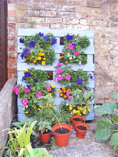 25 DIY Pallet Garden Projects | Pallet Furniture Plans