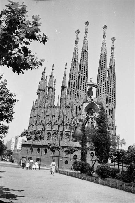 29 best images about History of the Sagrada Famila on ...