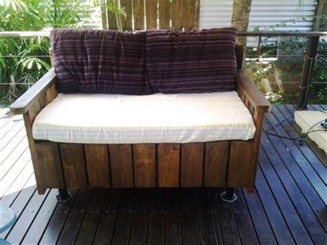 30 Ideas de sillones y sofás de palets muy originales ...