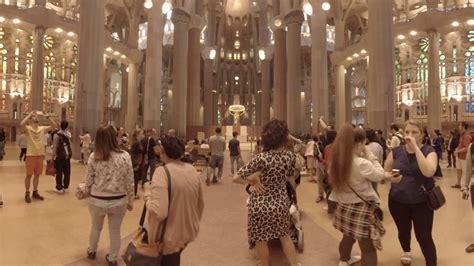 360 video: La Sagrada Familia Interior, Barcelona, Spain ...
