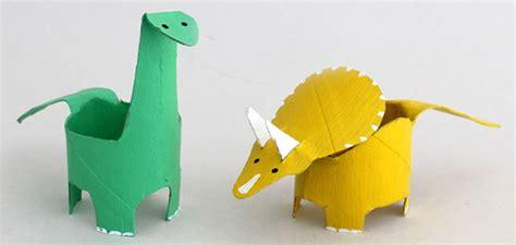 4 Manualidades de dinosaurios para hacer con niños ...