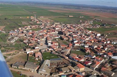 49160 código postal de Carbajales de Alba