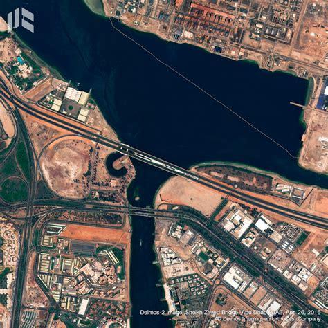 5 obras de Zaha Hadid vistas desde un satélite | ArchDaily ...