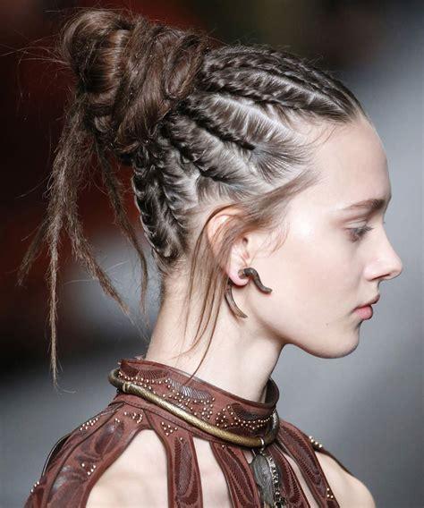 5 peinados con trenzas para este verano   Pravela Shop Blog