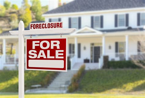 5 Things You Need to Know About Foreclosures | Homes.com