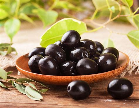 6 Awesome Health Benefits Of Olives That Prove Exactly Why ...