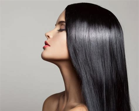 6 peinados para cabello largo en invierno - El cabello liso