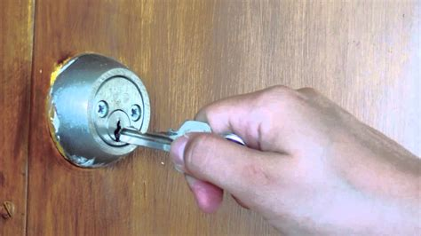 #775, Llaves para la puerta [Efecto], Acciones   YouTube