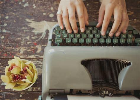 8 cosas que los escritores contemporáneos hacen todos los ...