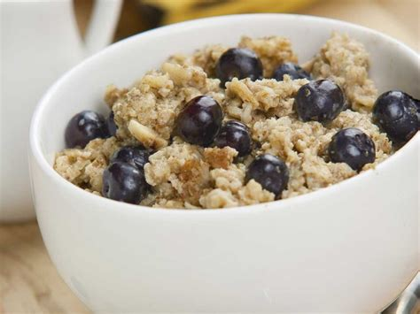 8 Foods to Eat to Wake You Up in the Morning