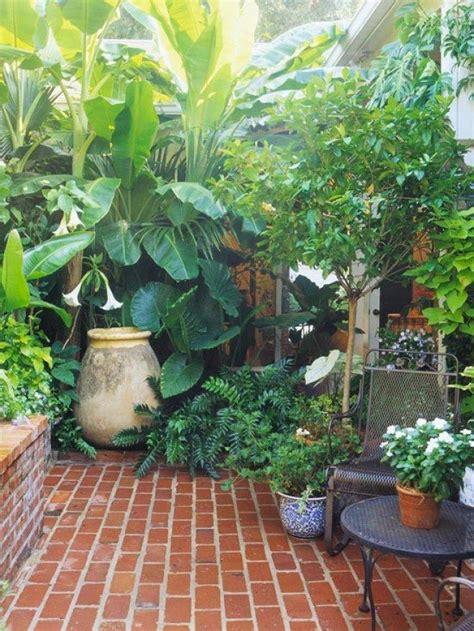 8 ways to make a small garden look big | O U T D O O R S ...