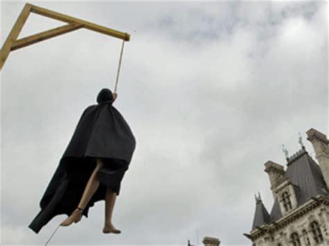 A Historia é noticia: Más de 17.800 condenados esperan en ...