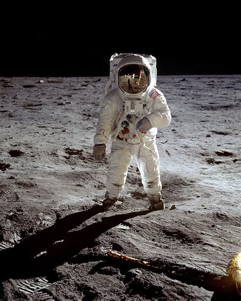 A pasit sau nu omul pe luna ?   Page 60   Forumul Softpedia