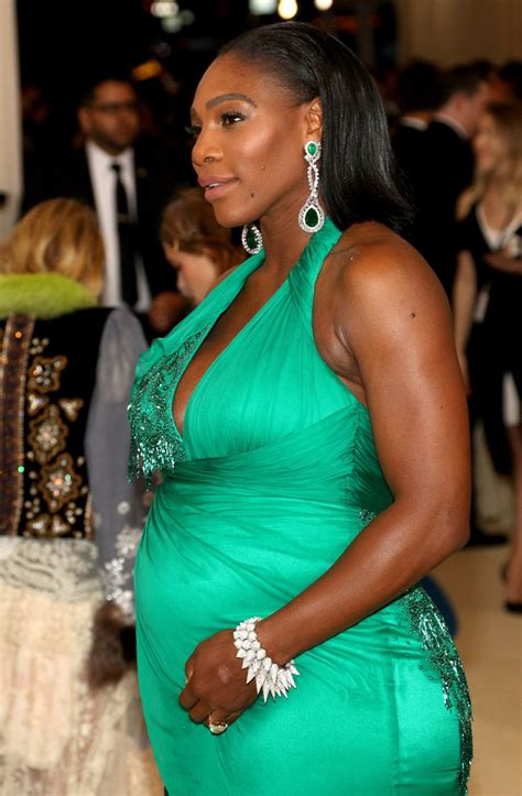 A stunning Serena Williams stole the show at the Met Gala ...