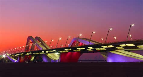 Abu Dhabi: arquitectura y diseno deslumbrante ...