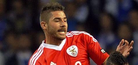 AC Milan plan to beat United to Javi Garcia signing ...
