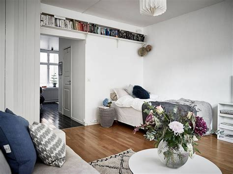 Acentos femeninos en la decoración de un apartamento pequeño