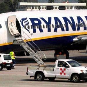 Adesso è ufficiale: Ryanair scarica Trapani - Repubblica.it