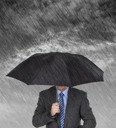 AdictaMente: Dime como dibujas un hombre bajo la lluvia ...