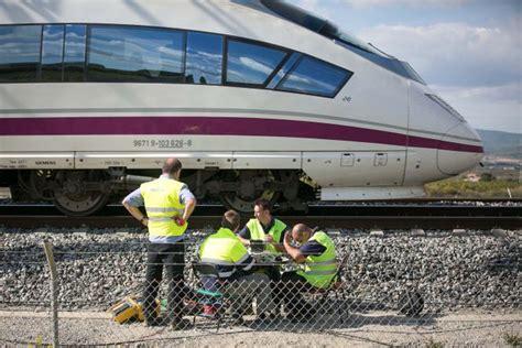 Adif negocia con Ferrovial y ACS el desbloqueo de líneas ...