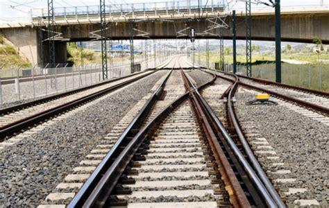Adif realizará mantenimiento de la red ferroviaria por 276 ...