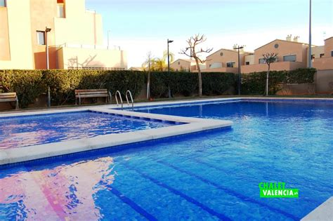 Adosado con sótano y piscina en SA Benageber - Chalet Valencia
