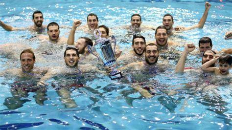 Albert Español conquista la Liga griega con el Olympiacos ...