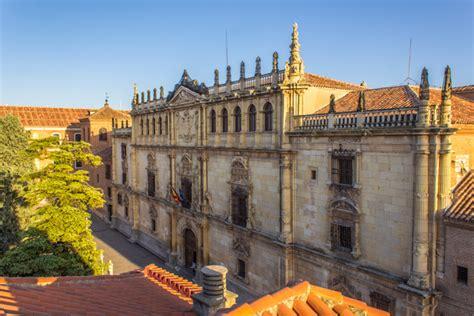 Alcalá de Henares, de la plaza Cervantes a la Universidad