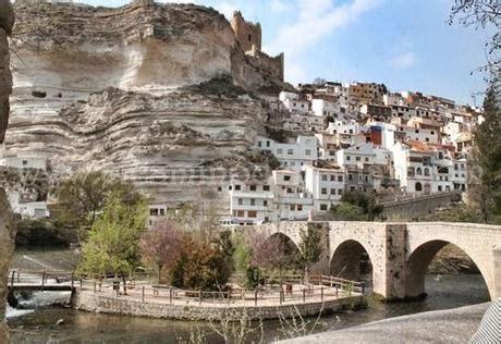 Alcalá del Júcar, el pintoresco balcón que mira a su río ...