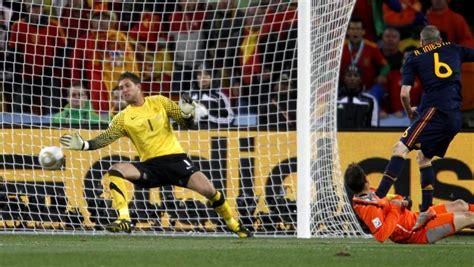 Alejandro Sanz confiesa que Casillas le regaló el balón de ...
