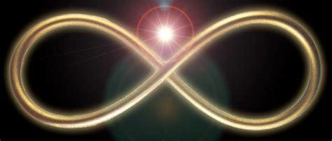 Alien Love Secrets 33: ¿Es el Universo infinito?