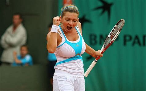 All Sports Players Reviews: simona halep breasts reduction