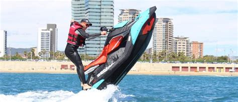 Alquilar Moto de Agua Sea Doo Spark TRIXX   JetScoot